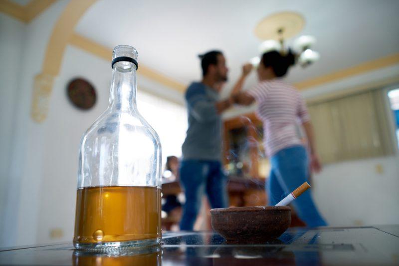 la violencia doméstica y la adicción