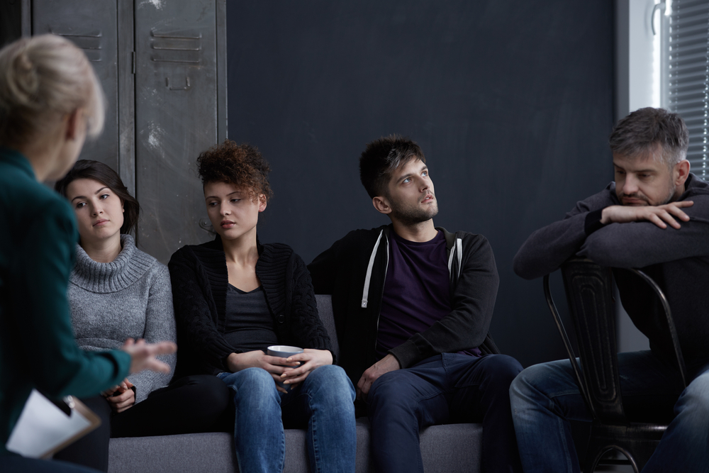 Las mujeres y los hombres en las mujeres y los hombres recuperación del apego en el tratamiento grupo de apoyo